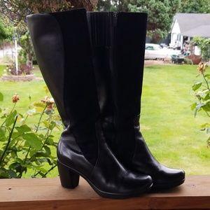 Brand New Gorgeous Black Leather Dansko Boots (39)